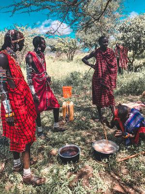 Maasai___nature5_beeds_Manyatta_mount_kilimanjaro_Tribe_Manyatta__Kenya_Student_of_love_and_life_master_of_love_and_life_HS_white_rabbit