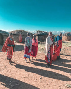 Maasai___women9_beeds_of_love_and_life_master_of_love_and_life_HS_white_rabbit