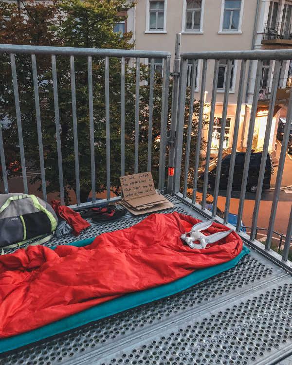 homeless_sleepspot_masterofloveandlife_whiterabbit_chriswhite_beggar_best_sign
